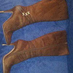 Very Pretty Boots